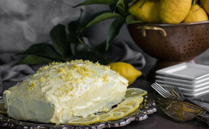 Lemon Loaf Cake With Lemon Curd